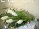 Imagen de BOUQUET 5 TULIPANES DE COLOR BLANCO